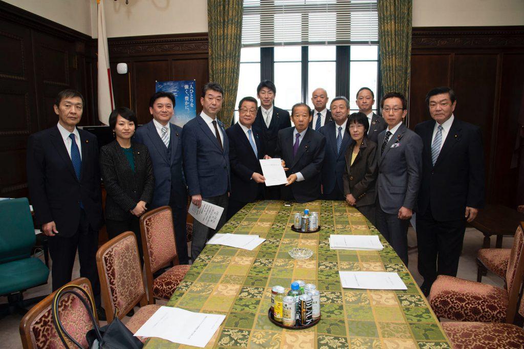 新型コロナウイルス対策を北海道選出衆参議員で、二階幹事長に要望しました。